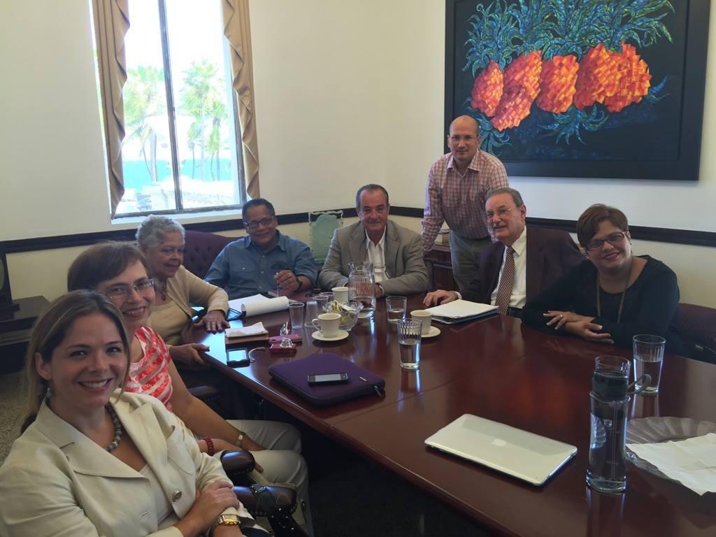 Foto de la ASPP en la Comisión de Salud del Senado.
